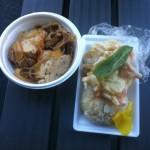 20111124浦和競馬場の肉豆腐と天ぷらおにぎり