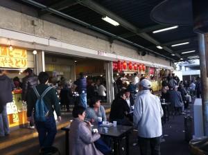 20111124浦和競馬場売店